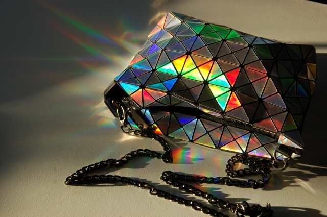 Holographic Bao Bao geometric bag | Extraordinary Days