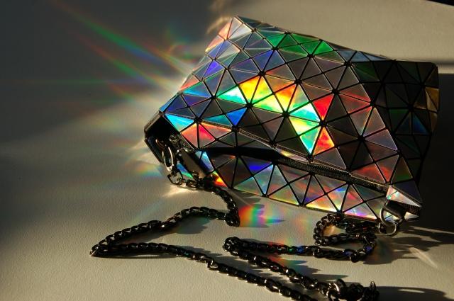 Holographic Bao Bao geometric bag | Extraordinary Days