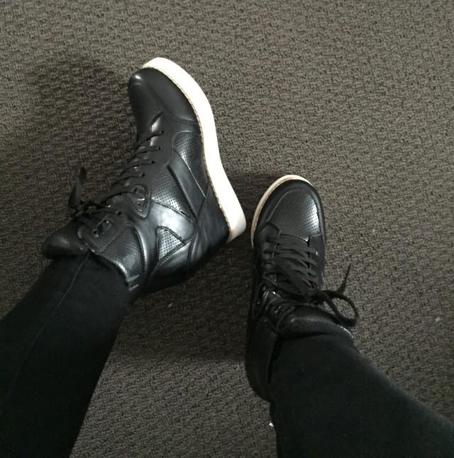 Melbourne holiday - black sneaker heels | Extraordinary Days