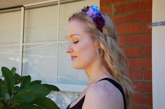 Flower crown headband spring / fairy-inspired outfit